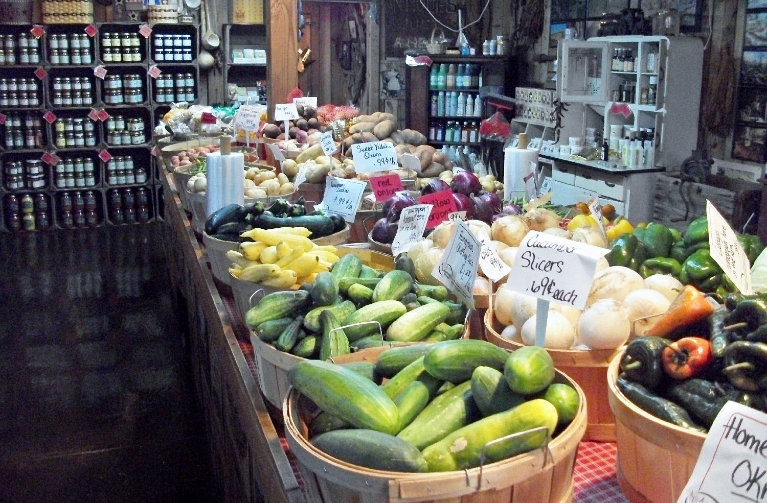 dennisons-market-local-vegetables-horse-cave-hart-co-ky.jpg