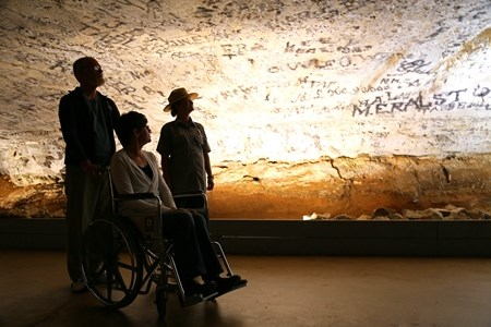 Accessible-cave-tour-Mammoth-Cave-National-Park